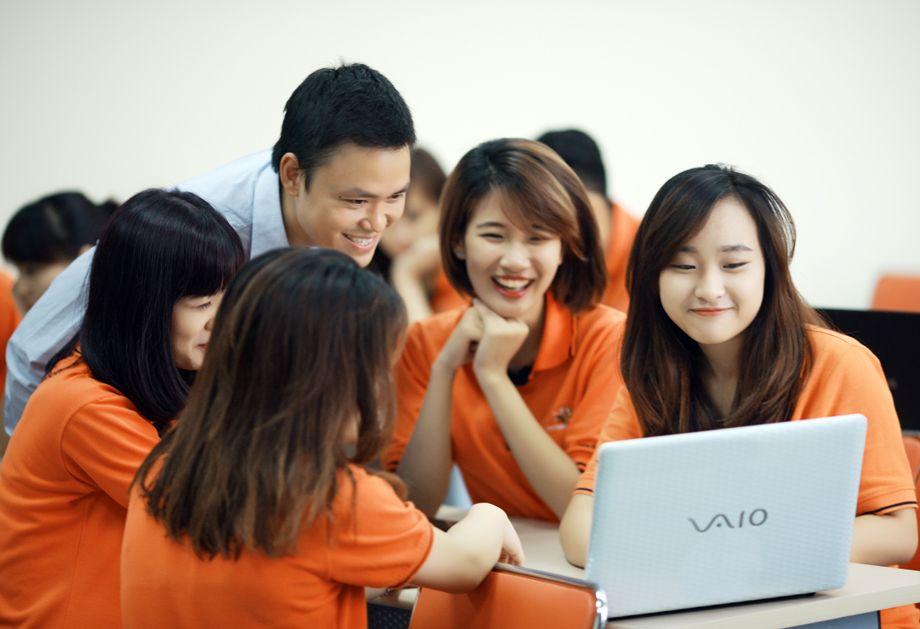 Cẩm nang luyện thi đại học bằng máy tính
