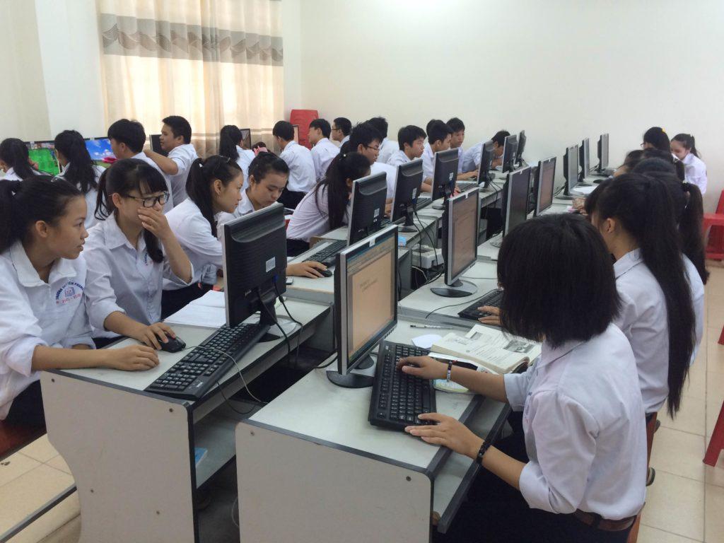 Công nghệ thông tin trong nhà trường đưa đến những tin tức chính xác và kịp thời.