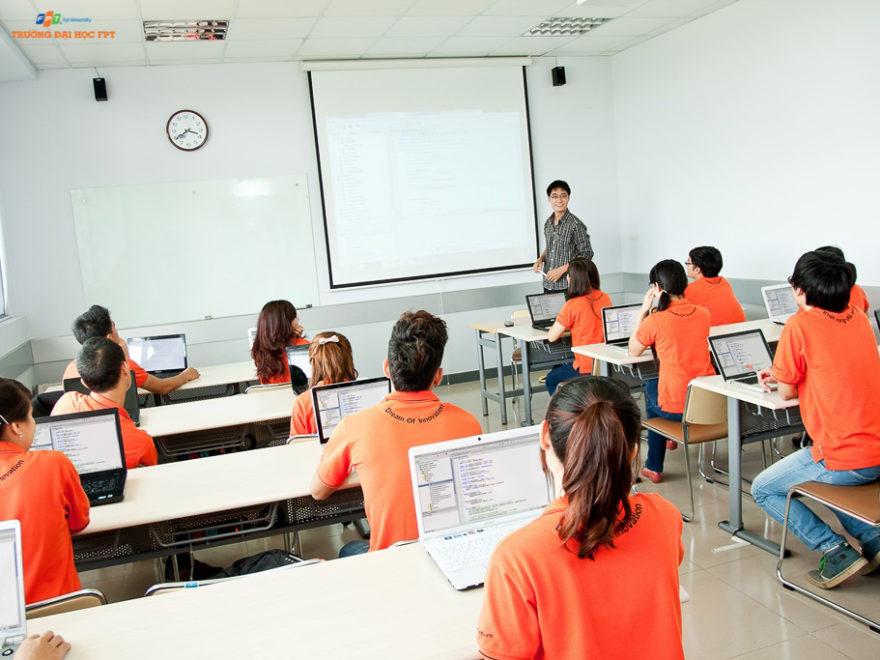 ứng dụng công nghệ thông tin vào quản lý trường học
