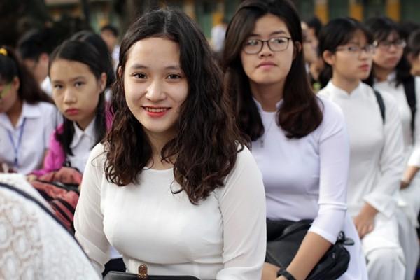 Con gái nên học ngành gì dễ xin việc?