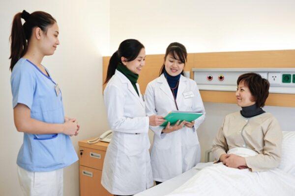 cao đẳng Điều dưỡng học môn gì